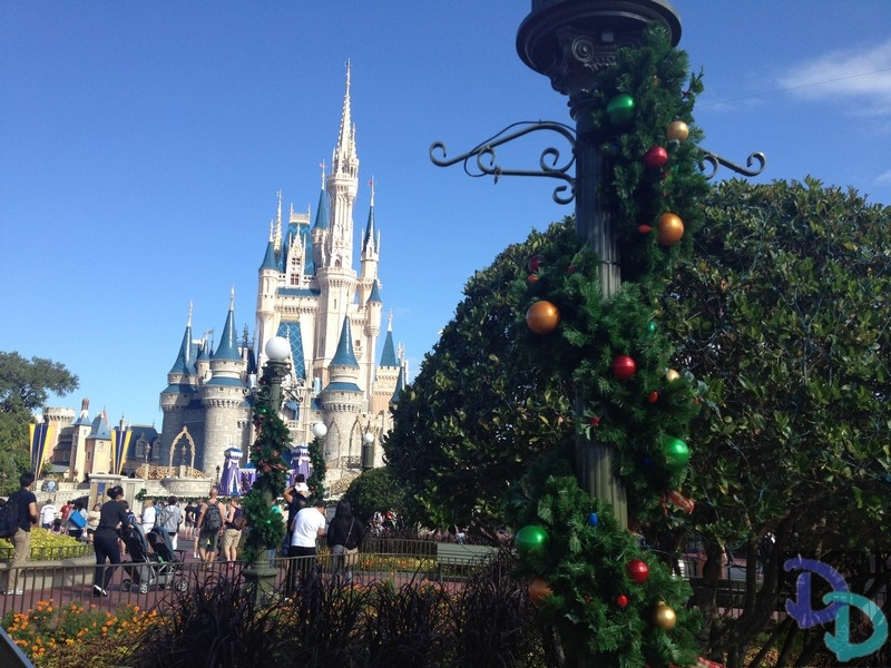 magic kingdom christmas - When Is Disney World Decorated For Christmas
