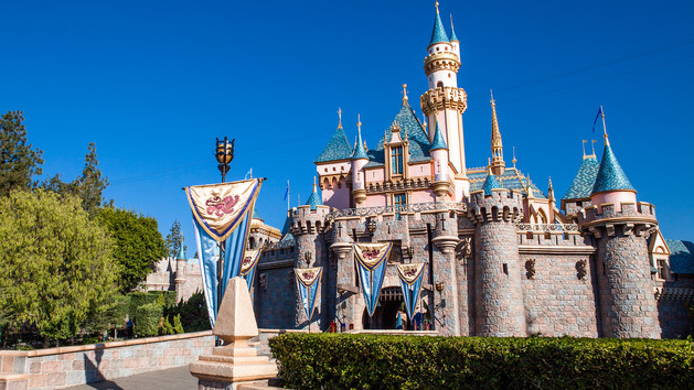 Ten assumptions about the disneyland resort from someone for Castle haven cabins
