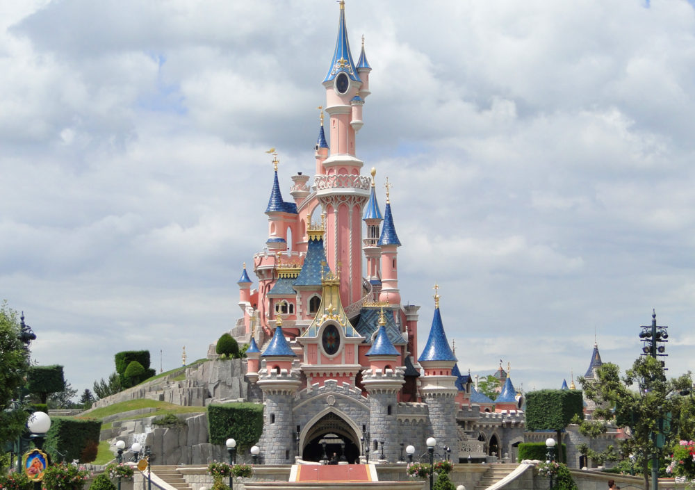 disneyland paris evacuated after suspicious package found in nearby train station army on. Black Bedroom Furniture Sets. Home Design Ideas