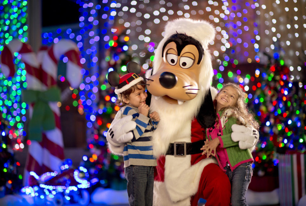 9ac24f748b177 Santa Claus And Santa Goofy Coming To Disney s Hollywood Studios ...